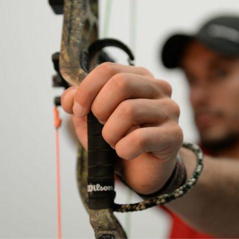Jak prawidłowo trzymać łuk bloczkowy?